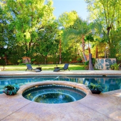 tarzana-pool-yard